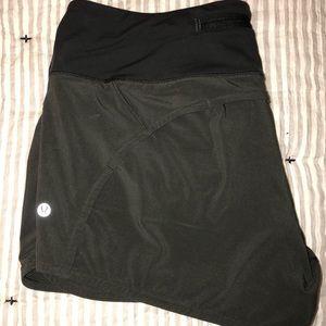 Lululemon Speed Up Shorts 2.5 size 10